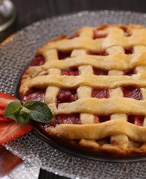 Пирог с клубникой лесной